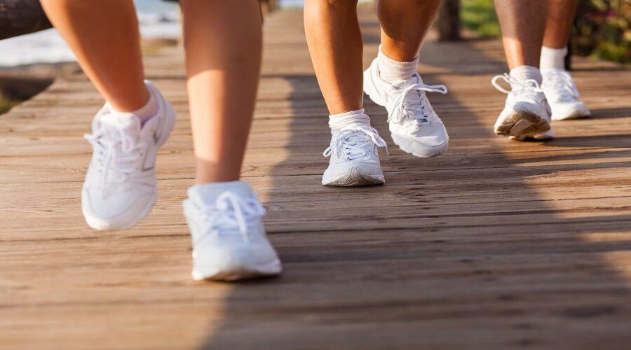 Cải thiện liệu pháp vận động điều trị bệnh tiểu đường với cách đi bộ với bước chân dài thêm 10 cm 1