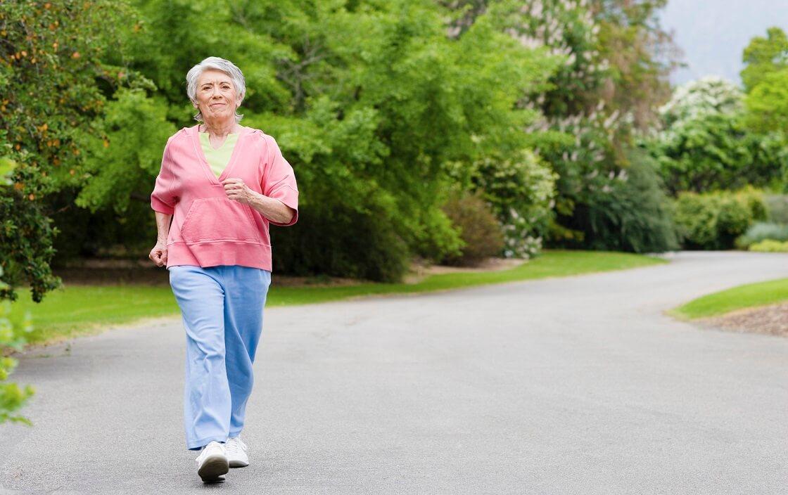 Đi bộ 15 phút sau khi ăn giúp hạn chế nguy cơ đường huyết cao. Nguy cơ mắc bệnh tiểu đường giảm