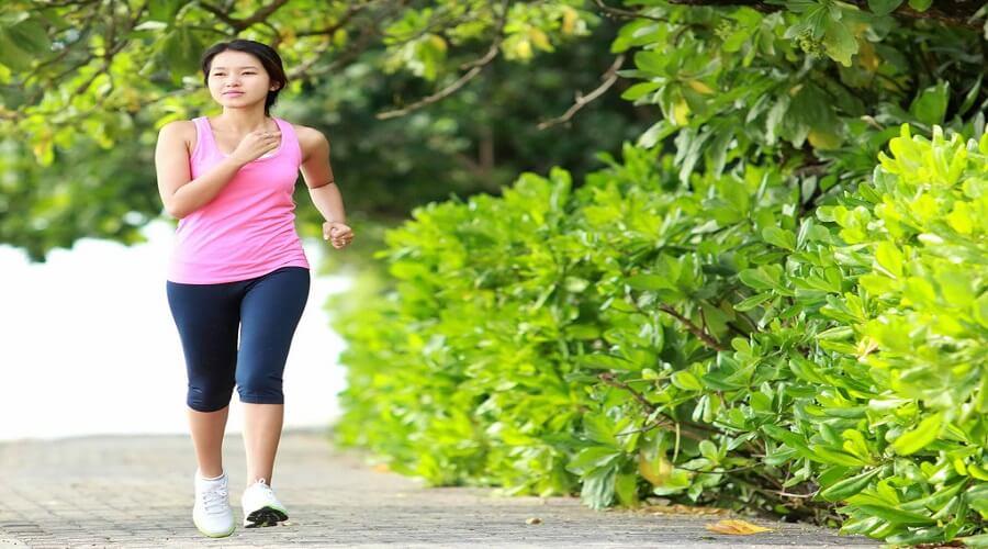 Đi bộ 15 phút sau khi ăn giúp hạn chế nguy cơ đường huyết cao. Nguy cơ mắc bệnh tiểu đường giảm 2