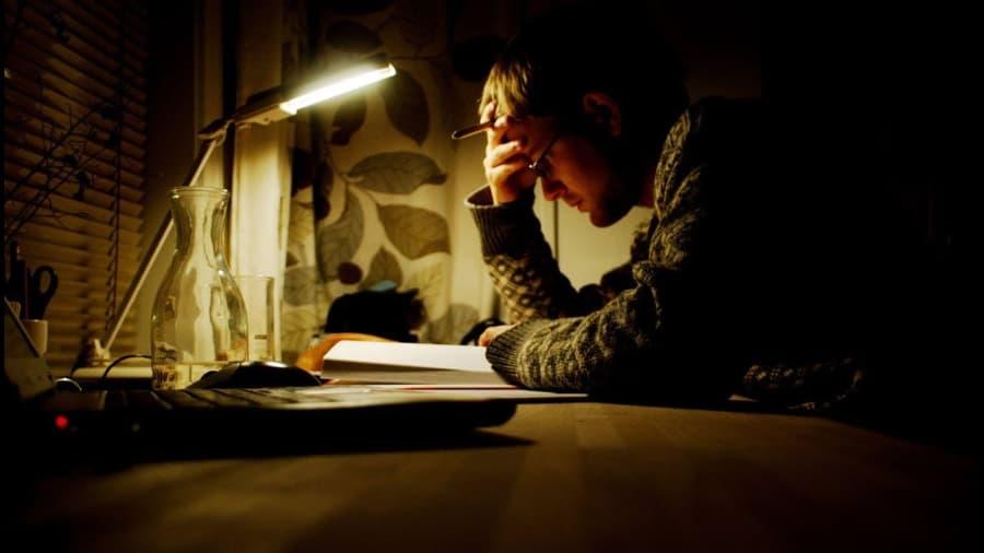 Thức khuya và dậy muộn vào dịp nghỉ lễ là nguyên nhân làm sức khỏe suy giảm 4