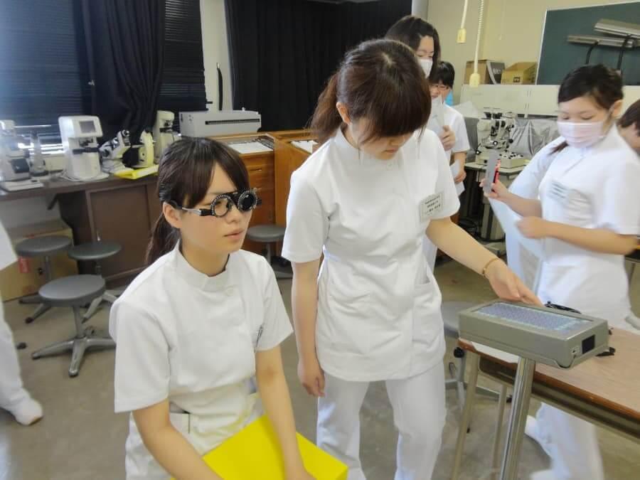 Phát hiện và điều trị sớm bệnh võng mạc tiểu đường để tránh mất thị giác 8