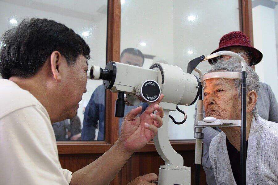 Bệnh lý người tiểu đường bị mờ mắt được phát hiện như thế nào? 1