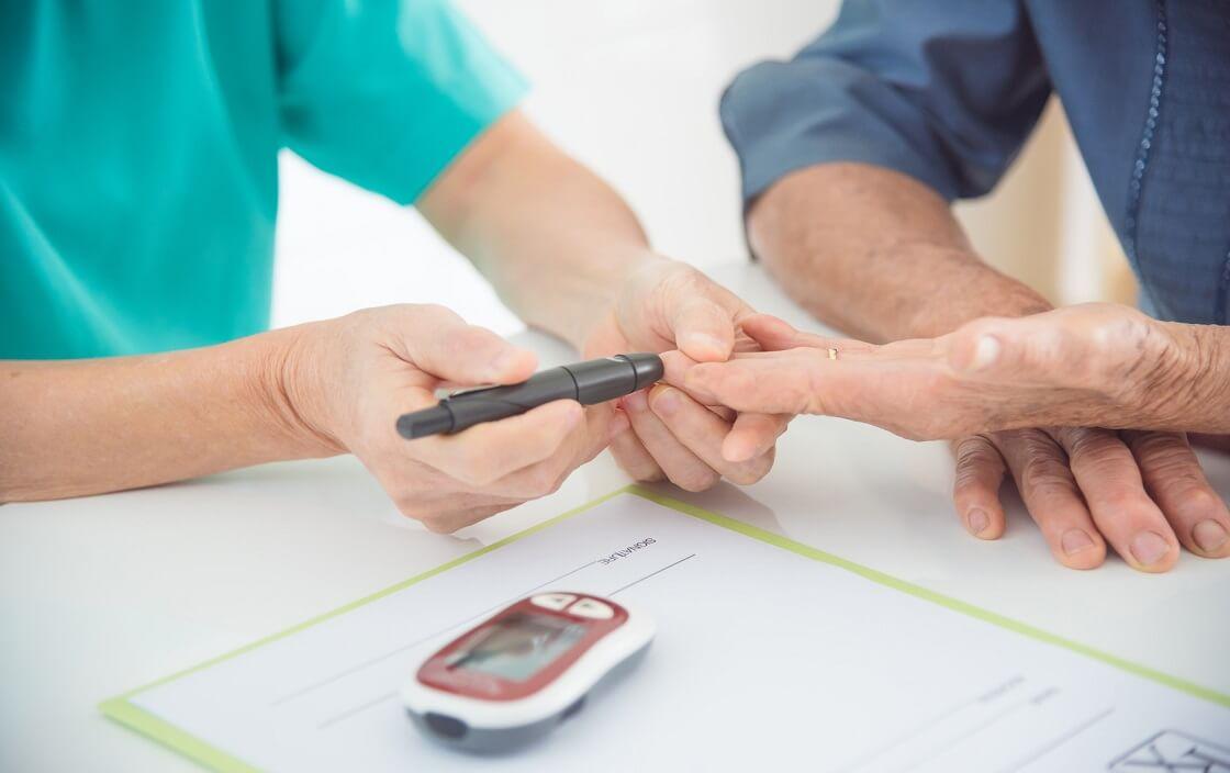 Nới lỏng việc kiểm soát đường huyết ở người cao tuổi giảm các nguy cơ xảy ra do điều trị 0
