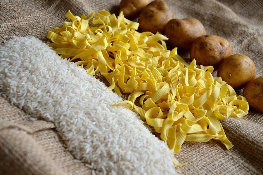 Tiêu chuẩn ăn uống nạp từ 50-55% carbohydrate là lành mạnh nhất 1