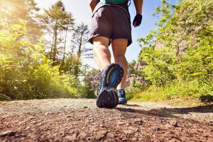 Đi bộ có thể giúp thư giãn tinh thần (Ảnh: Internet)